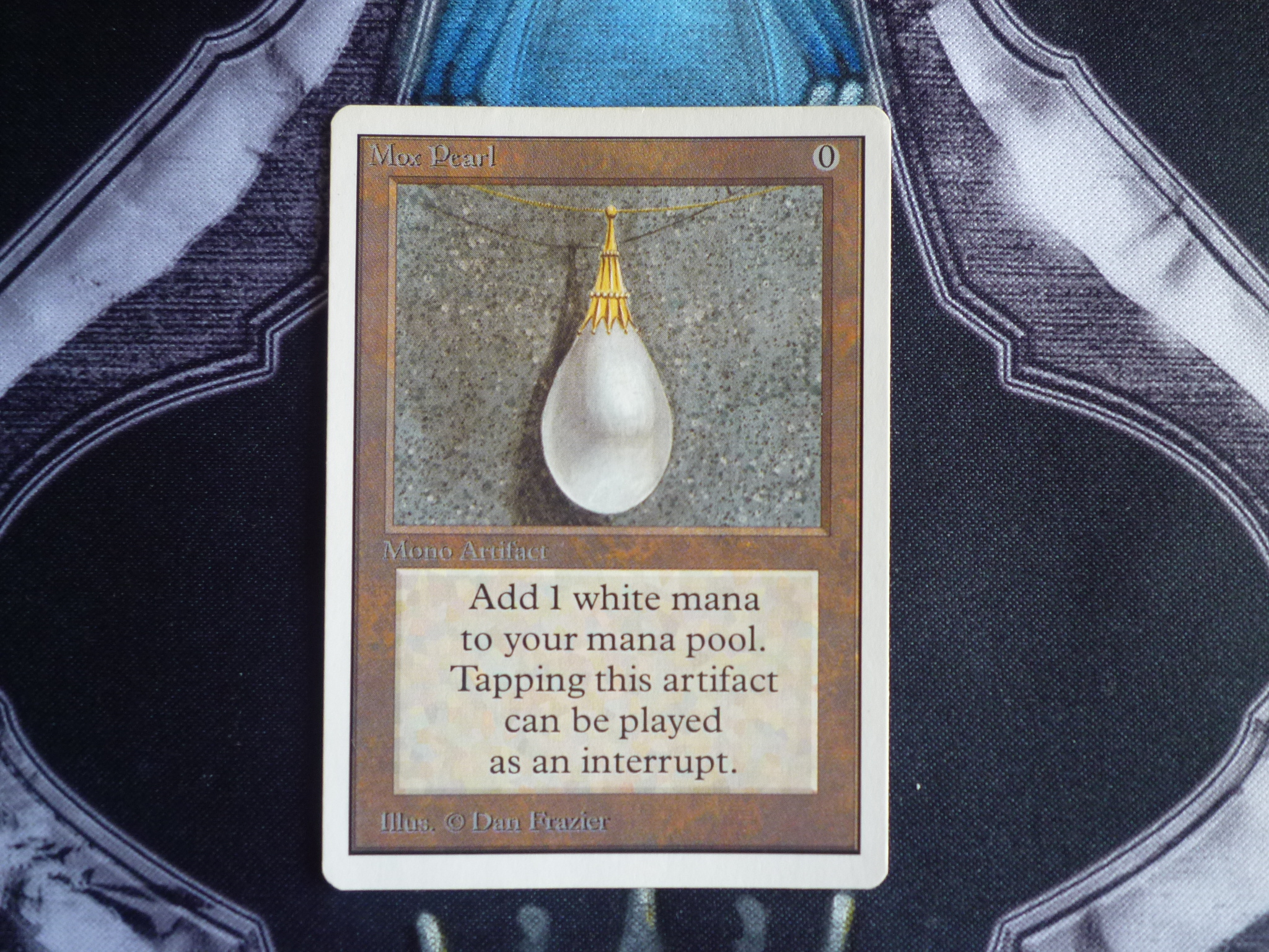 Mox pearl front